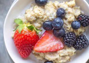 oatmeal porridge for prebotics gut health Photo by Melissa Belanger on Unsplash